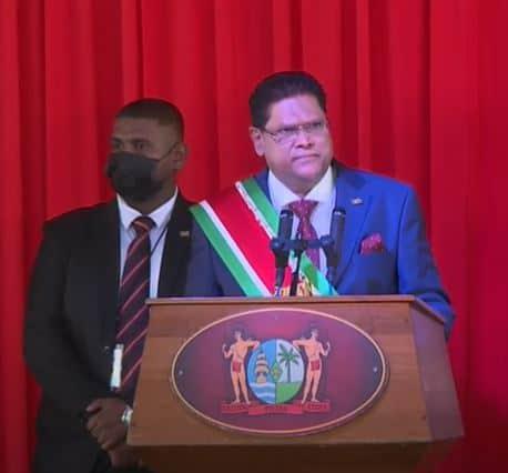 President Santokhi positief over 45 jaar onafhankelijkheid